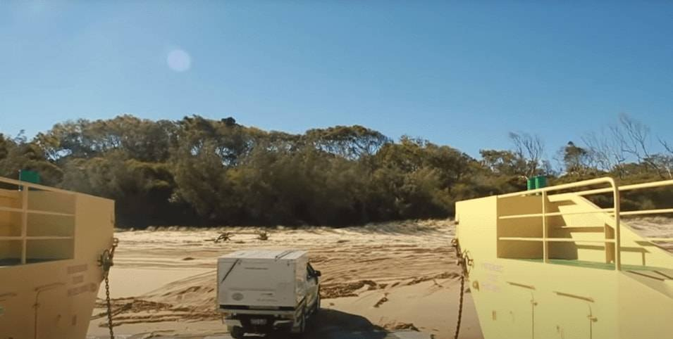 Manta Ray Barges - Inskip point Ferry - Fraser Island Camping