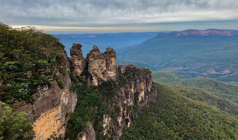 Three Sisters rock formation, Blue Mountains
